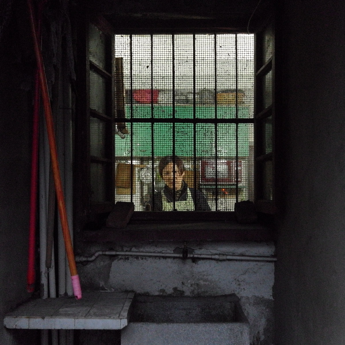 The alleyways are very narrow and there is very little privacy , its very easy to see into someones home