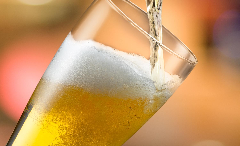 Beer Pour | Tony Kubat Photography