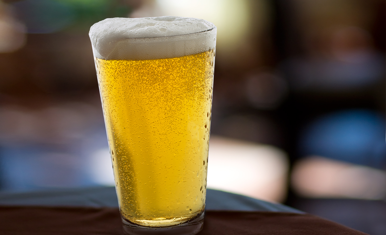 Beer In Restaurant | Tony Kubat Photography