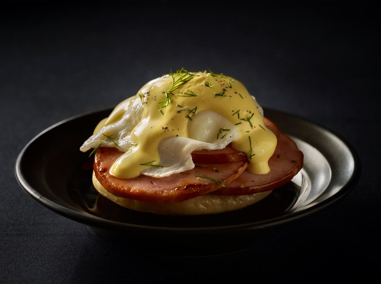Eggs Benedict | Tony Kubat Photography