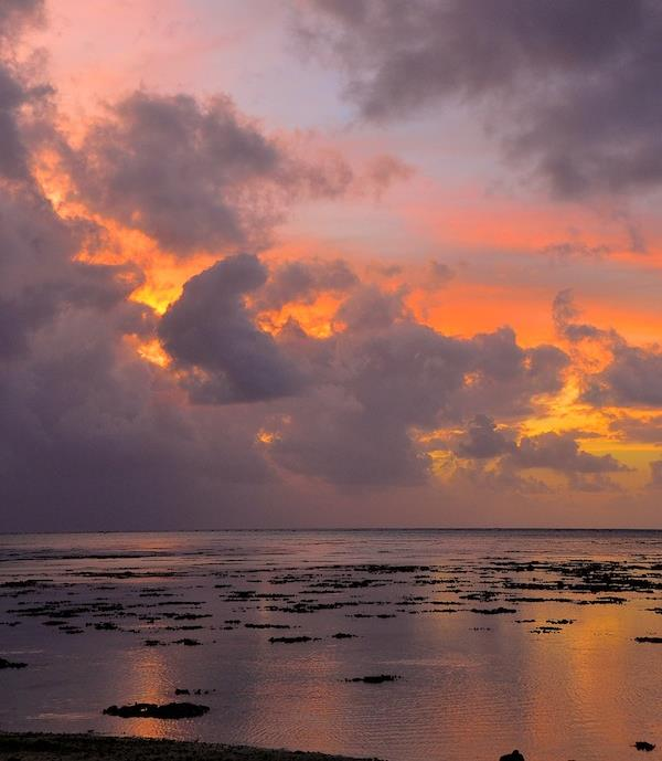 Walker, A.  Nightfall at Etu Moana, Aitutaki , 2013