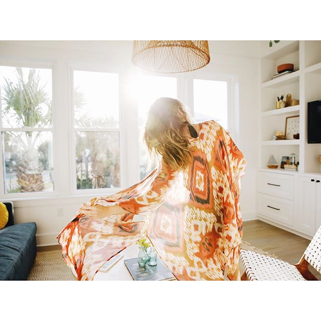 Golden hour at @casarosa30a. . . . #theeverygirlathome #myinspiredhouse #sodomino #beachlife #beach #sharemystyle #freepeople #interiors4all  #darlinghome #flashesofdelight #30a #seacrest #florida