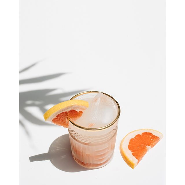 It's Friday. Time to unwind. Taking a deep breath and dreaming about beach cocktails. This is my default - Traders Joe's Italian Grapefruit soda, Tequila, and a splash of lime. What's your go-to 2 (or 3) ingredient cocktail?⠀⠀⠀⠀⠀⠀⠀⠀⠀ .⠀⠀⠀⠀⠀⠀⠀⠀⠀ .⠀⠀⠀⠀⠀⠀⠀⠀⠀ .⠀⠀⠀⠀⠀⠀⠀⠀⠀ #cocktail #cocktails #cocktails🍸 #cocktails🍹 #cocktailart #cocktailrecipes #cocktailgram #instacocktails #cocktailculture #cocktailoftheweek #cocktaillovers #foodandwine