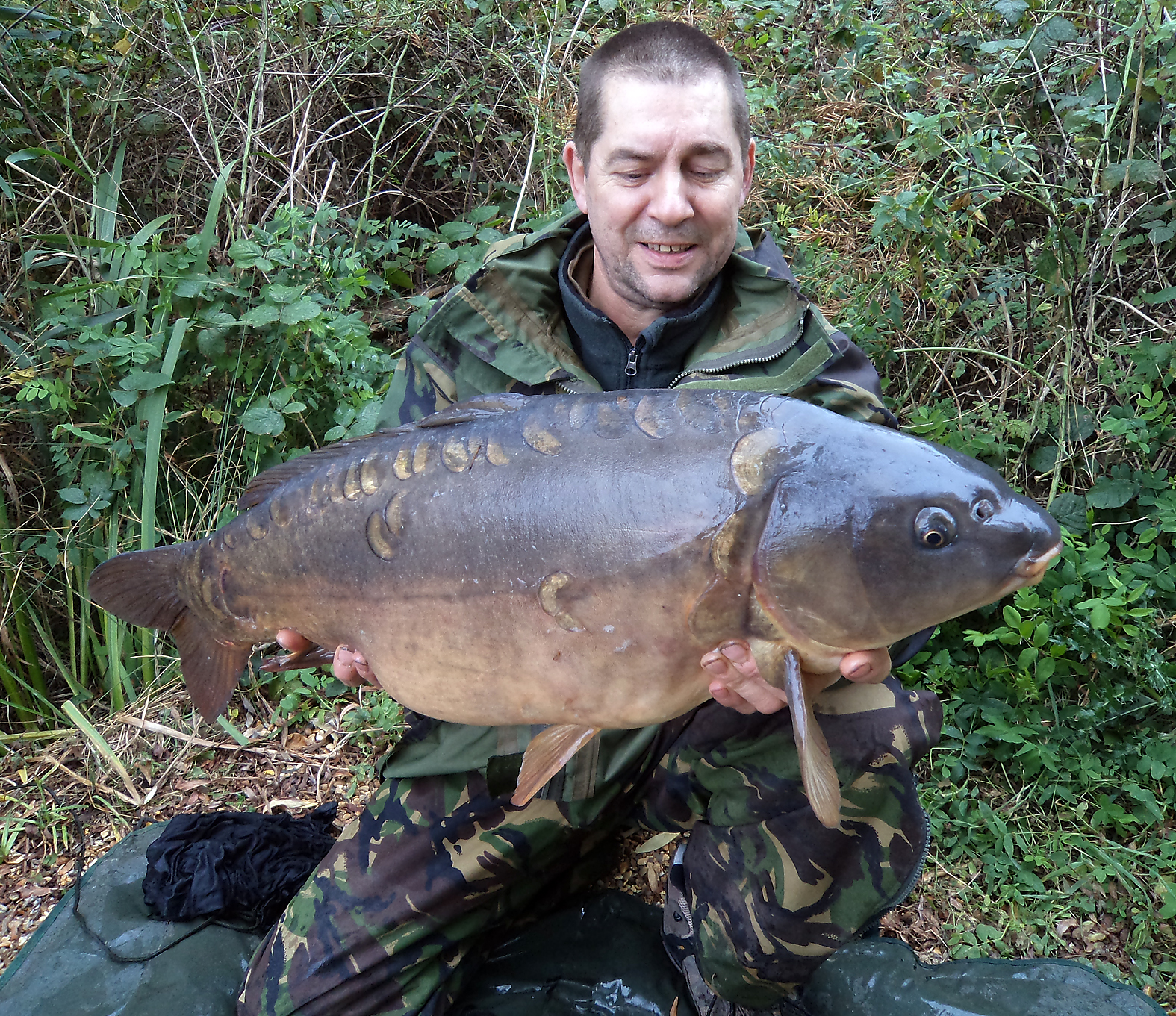 Gary shows a 19lb'er caught at close range at one of our club waters