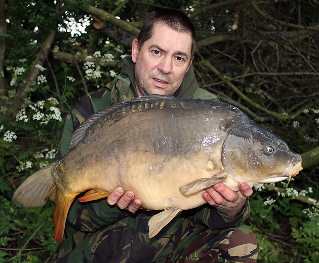 Now that's a carp ain't it? Been so long since I've seen one! Anyway cheer up mate, you've caught!
