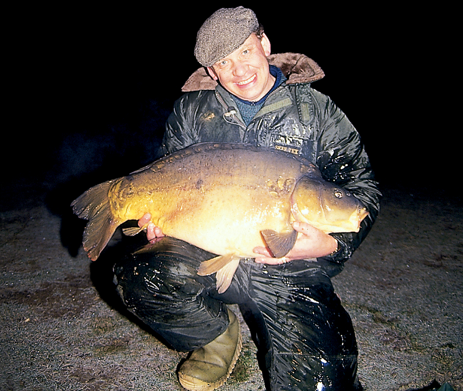 Andy Little in 1992, with a 41lb 8oz mirror from Yew Tree lake, the largest carp caught at the Waveney
