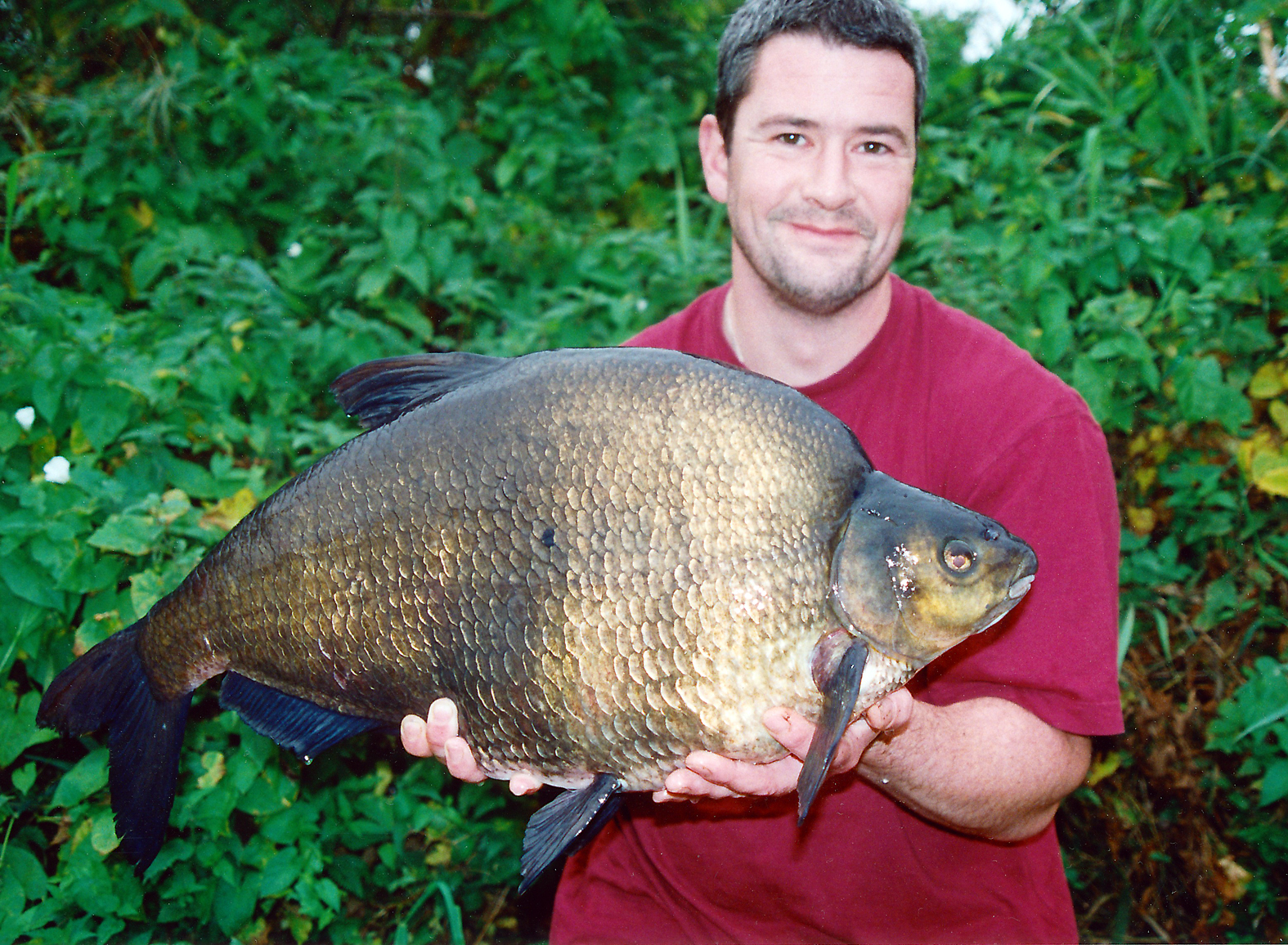 Tony Gibson's bream campaign doesn't go totally to plan, so he takes inspiration from Simon