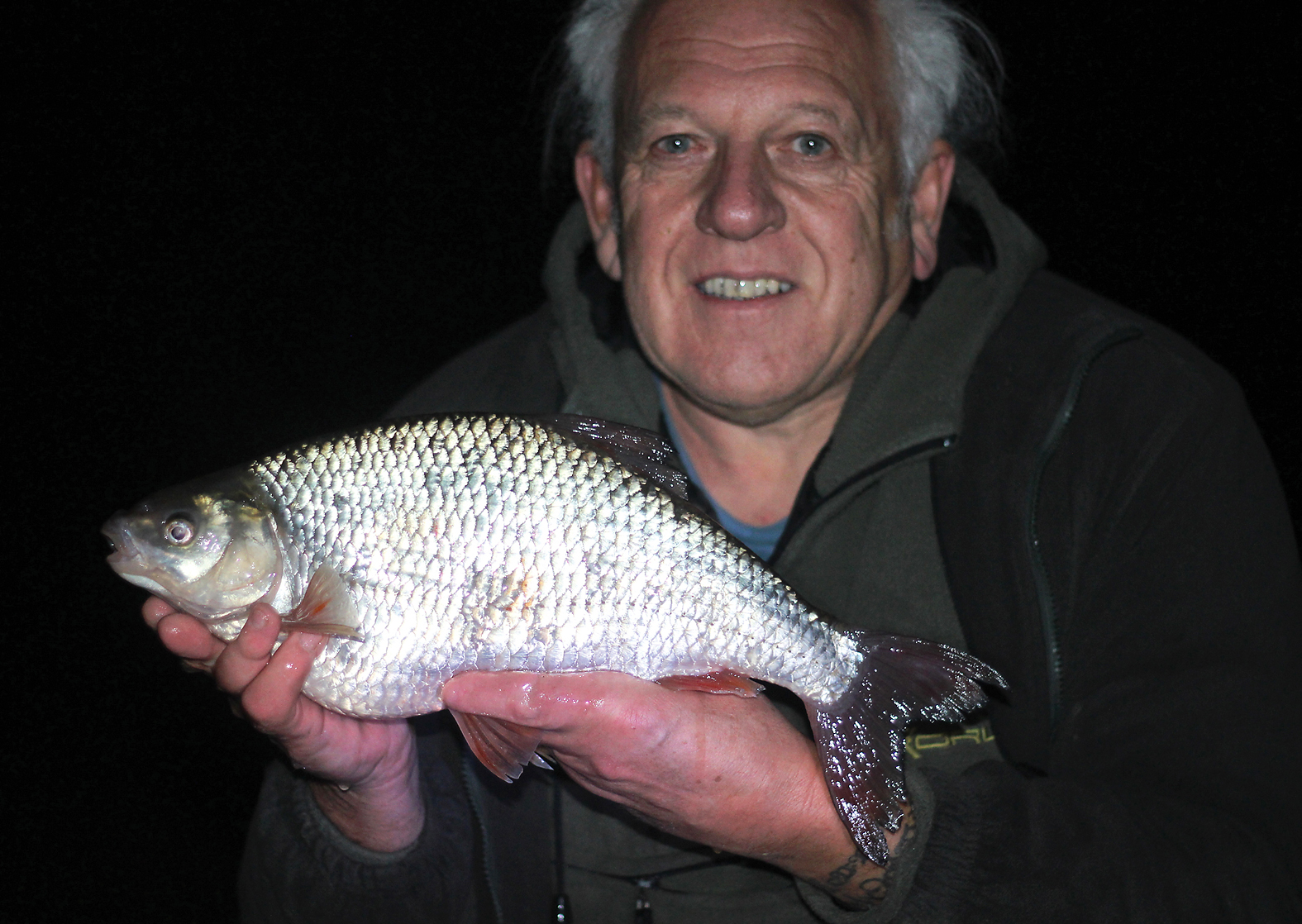 A beatiful 3lb+ roach caught by Norfolk angler Chris Turnbull from a local carp lake
