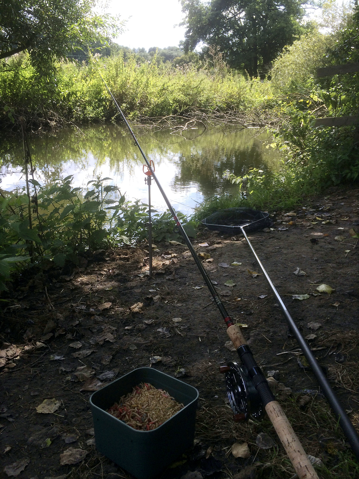 Minimal tackle, but you don't need much to tempt a few fish and enjoy a good session