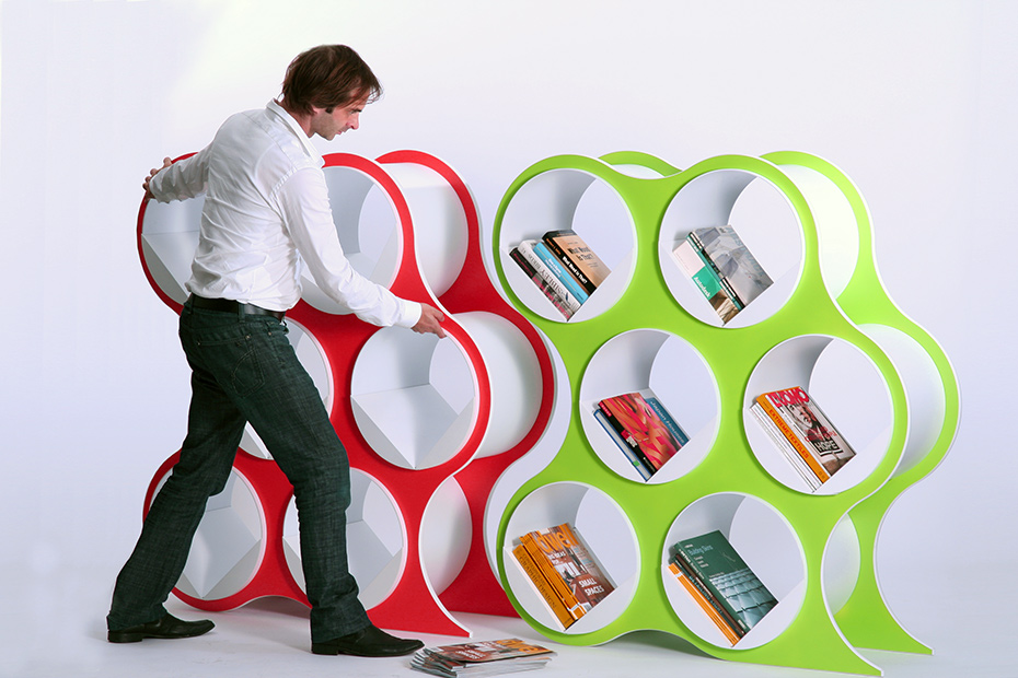 BOLLA: Stable and Easy to Move Modern Shelving