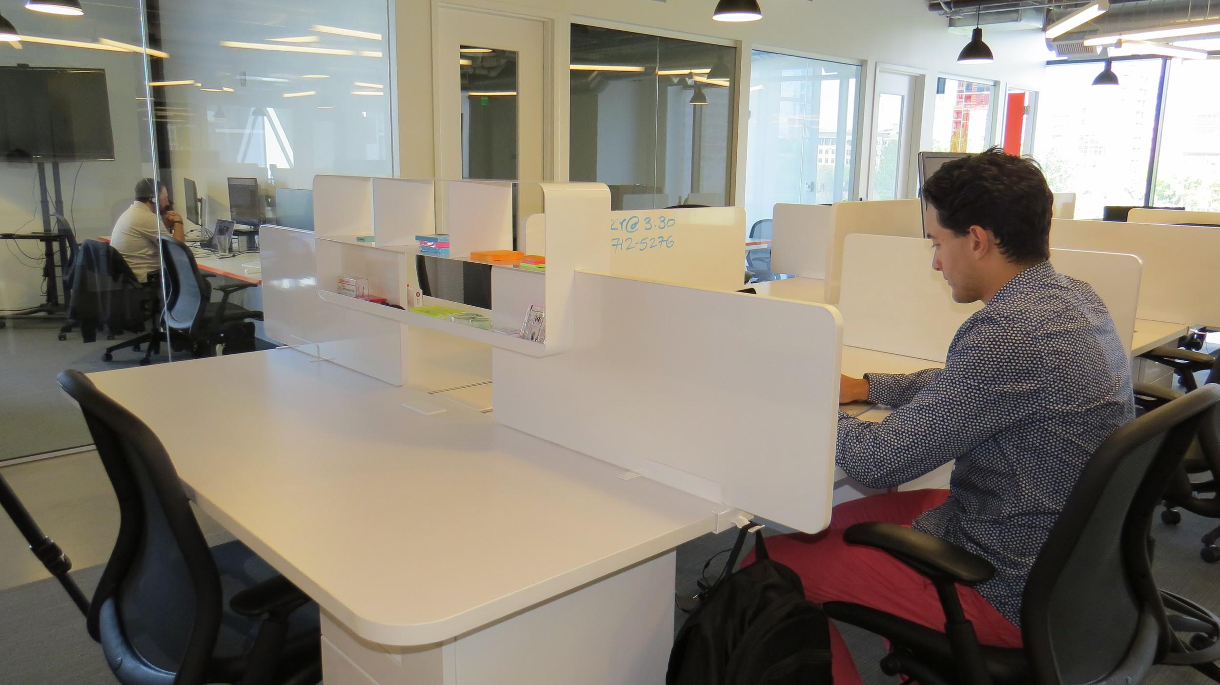 EYHOV Workstations
