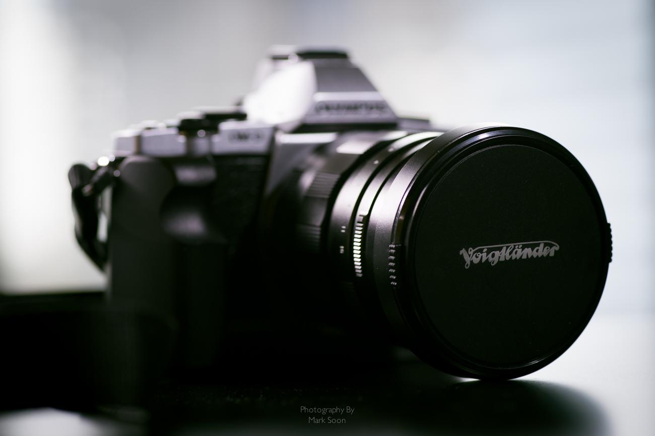 Voightlander 17.5mm f0.95 Review