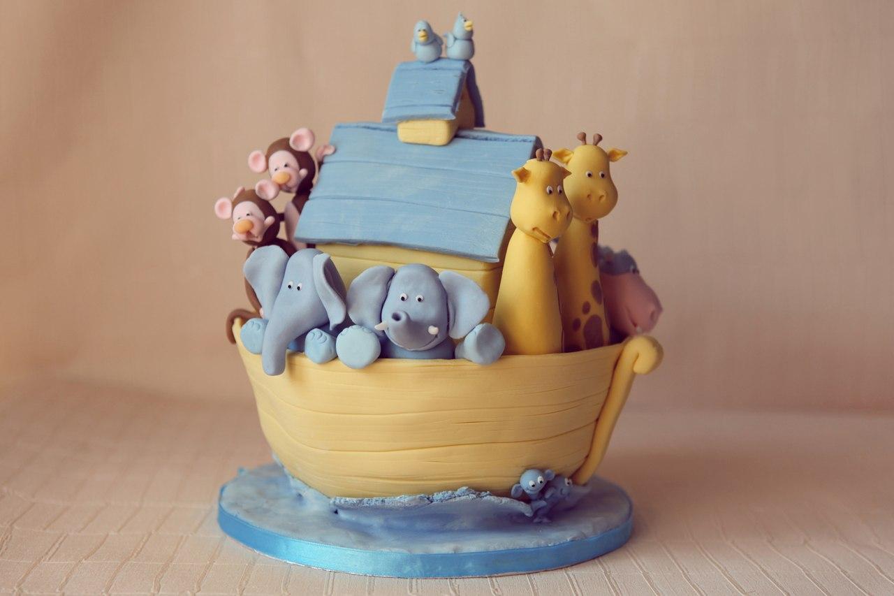 Детский тортс фигурками животных