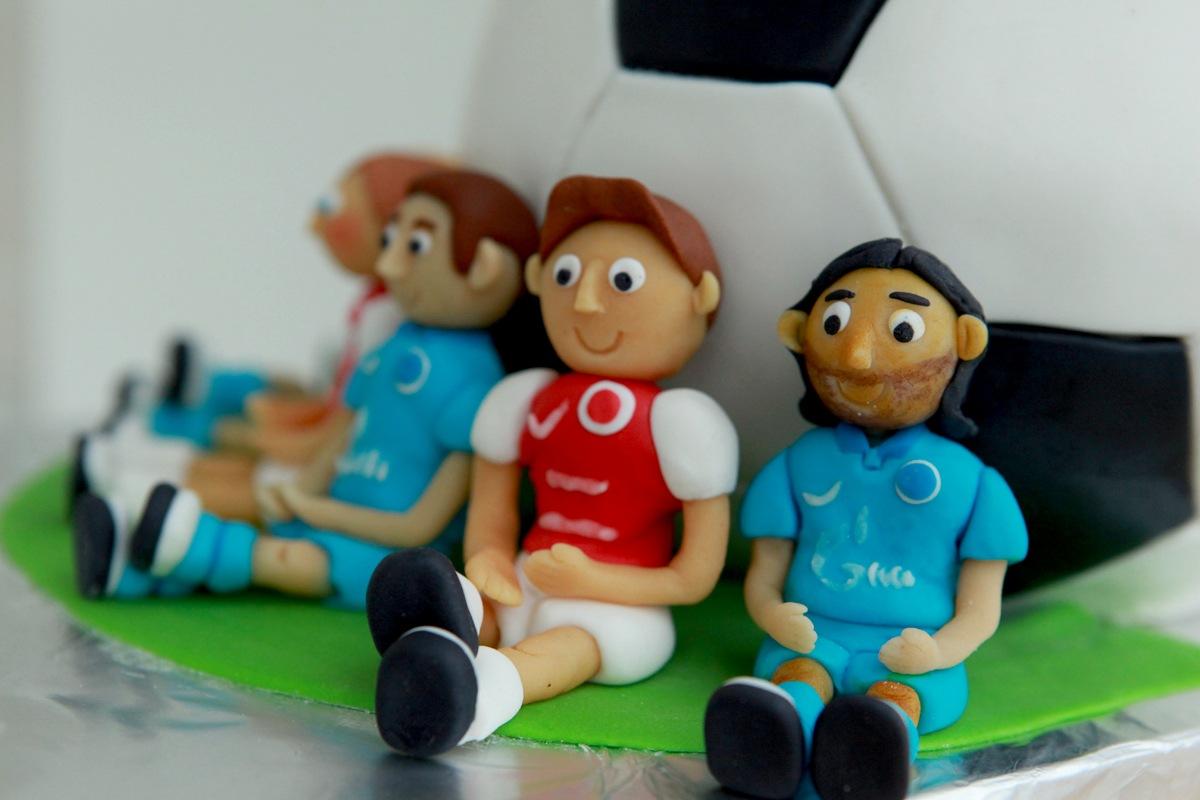 Детский торт с футболистами