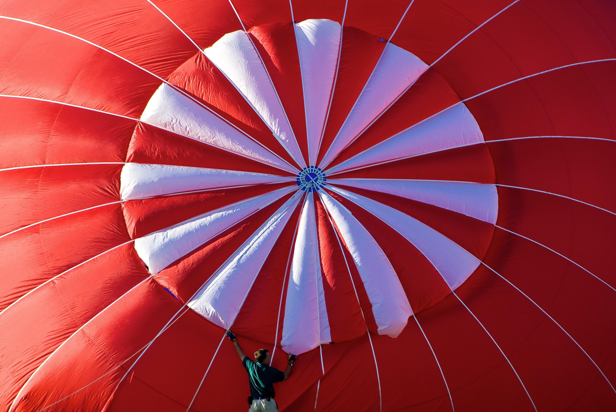 99 Foot Red Balloon.jpg