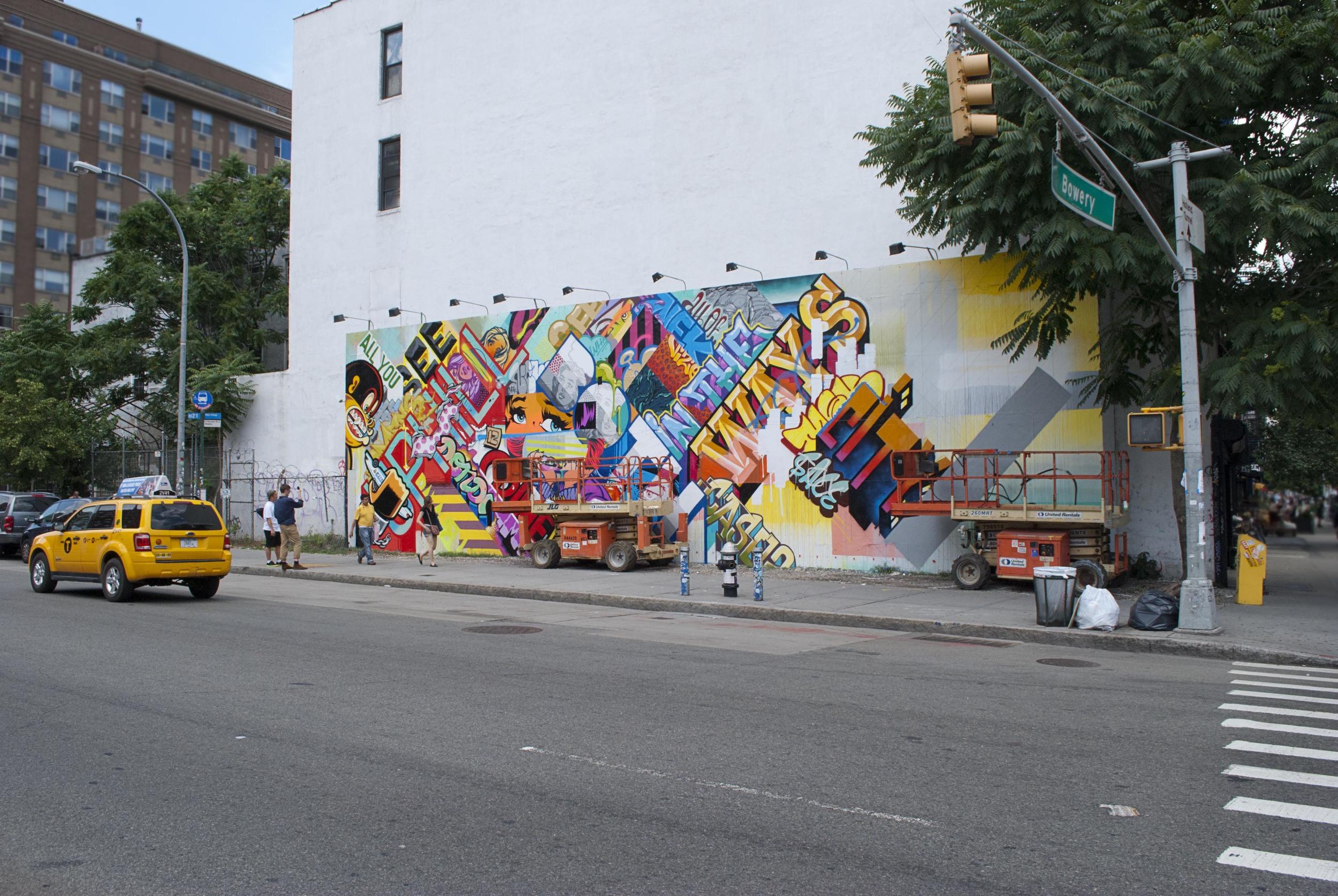 Houston-Bowery-mural-revok-pose