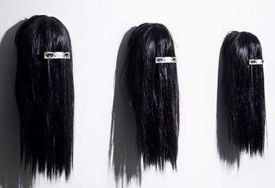 dzn_Hair-clip-on-Hair-by-Humans-Since-1982-2.jpg