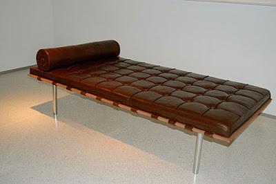 mies-van-de-rohe-couch-cake-1.jpeg