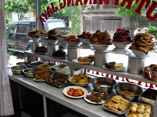 Foodable WebTV Network |  Pictured: A Typical Bali Warung (Roadside Cafe) | Photo Credit: baliseavillas.com