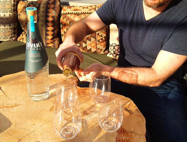 Nate Whitehouse pours the spirit at Avuá's launch party.  | Foodable WebTV Network