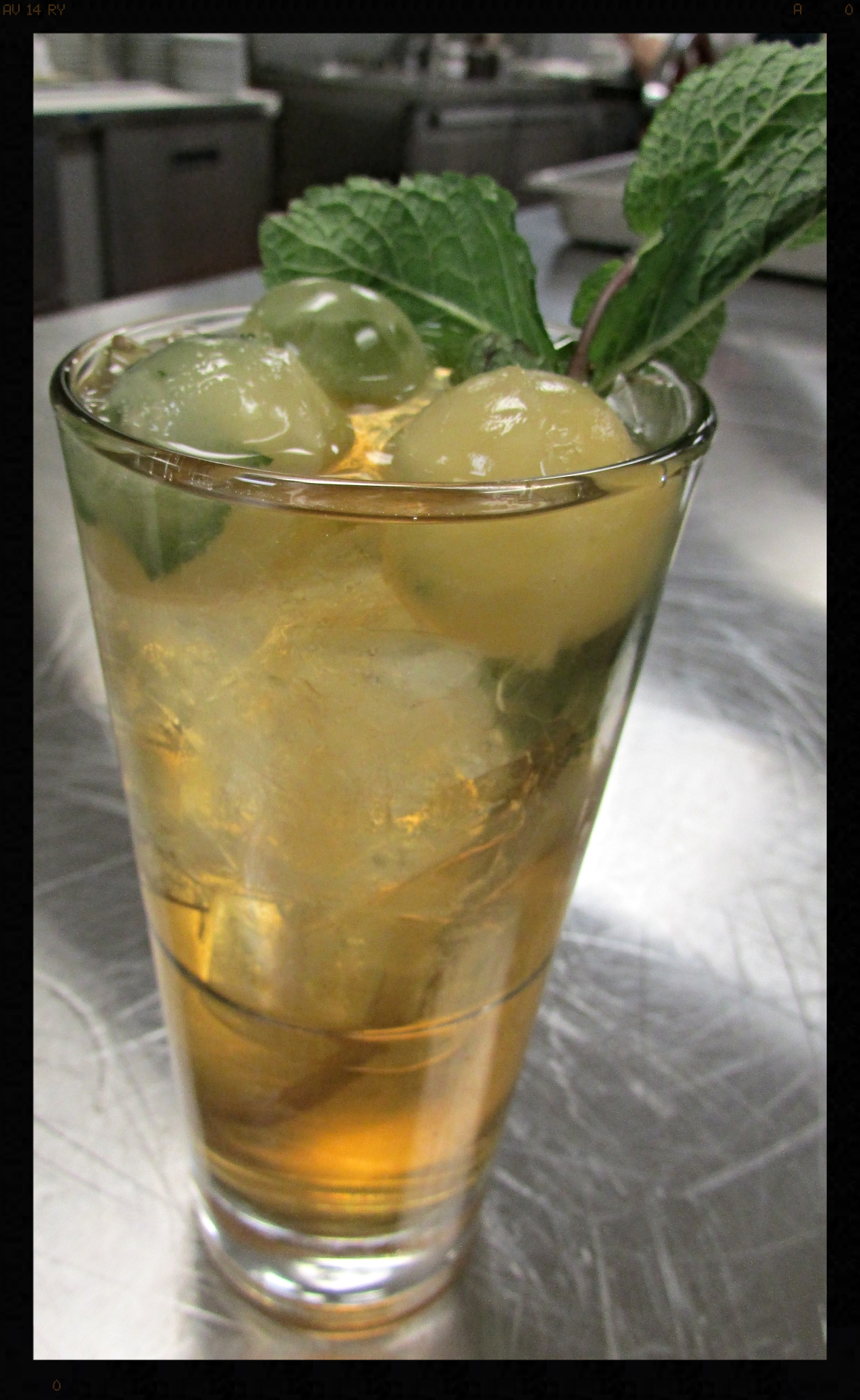 Ice infused cocktail|  FOODABLE WEBTV NETWORK