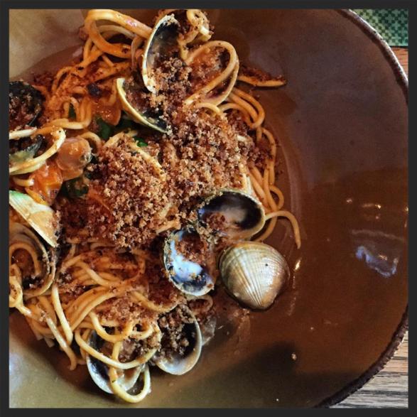 Thick spaghetti with shellfish 'passatina' at Giulia  | Instagram @lilsjan