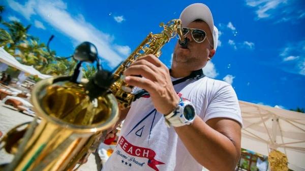 Nikki Beach Trumpet
