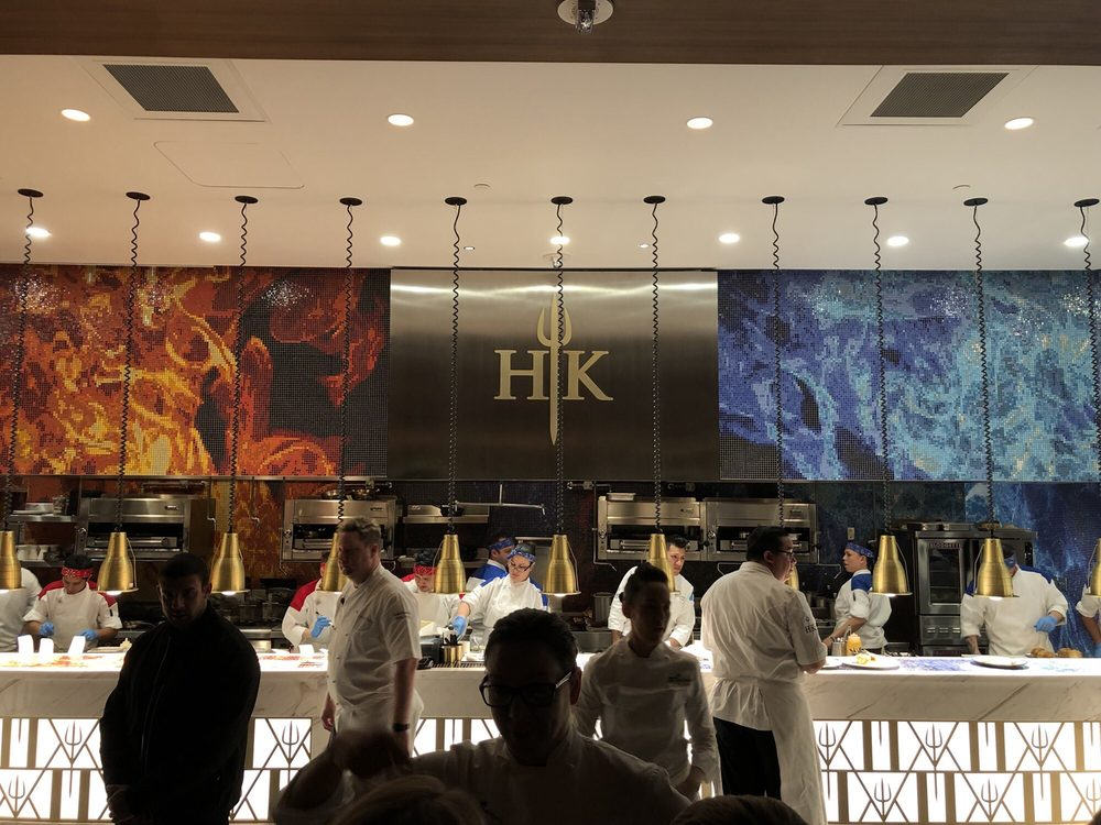 Gordon Ramsay S New Restaurant Booked 12 000 Reservations In