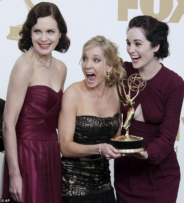 Elizabeth McGovern_ 63rd Primetime Emmy Awards_Reena Ahluwalia_Victor Canadian Diamonds necklace3.jpg