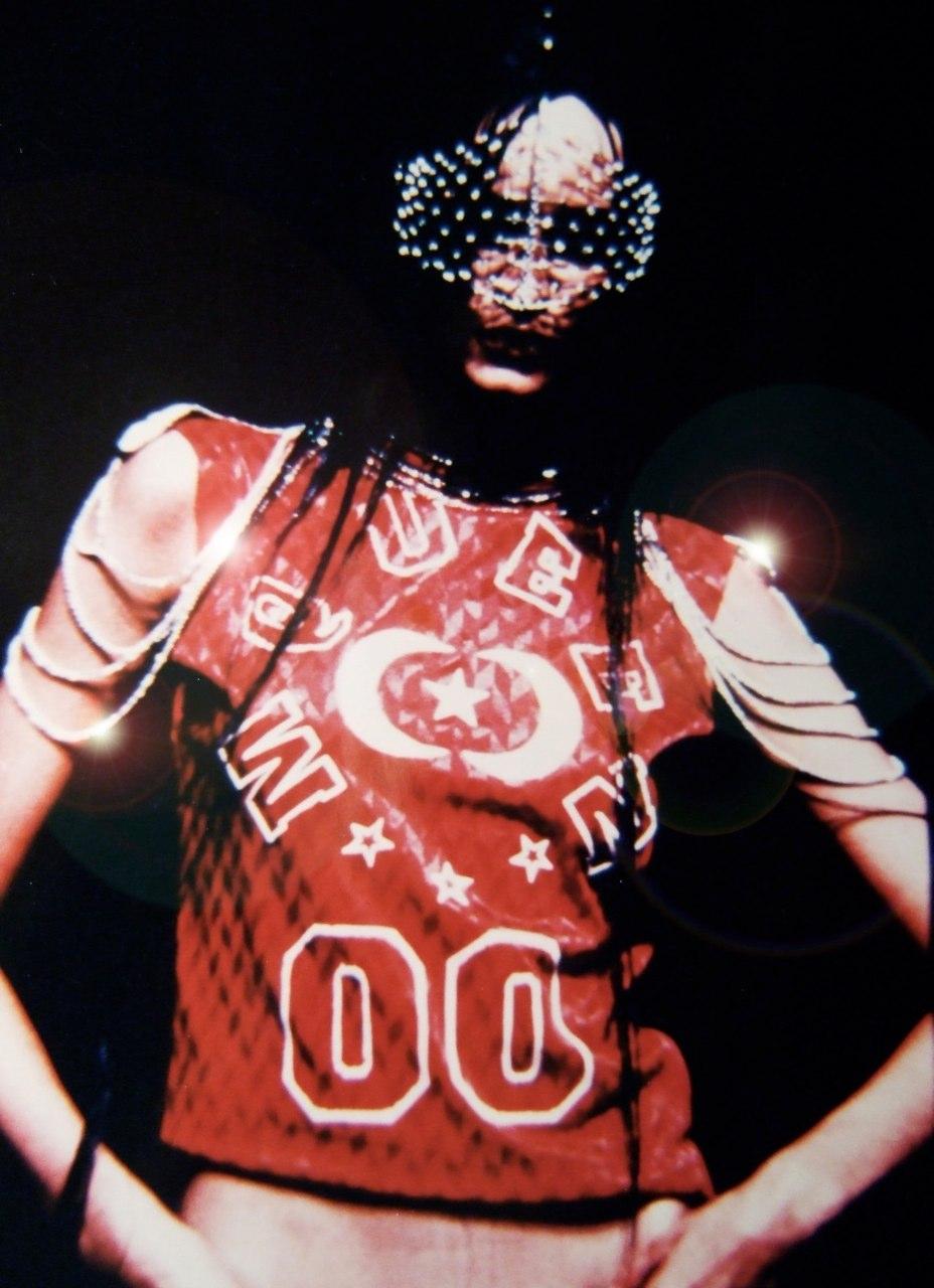 Reena Ahluwalia_Sensuous_De Beers Diamonds-International Awards_AlexanderMcQueen.jpg