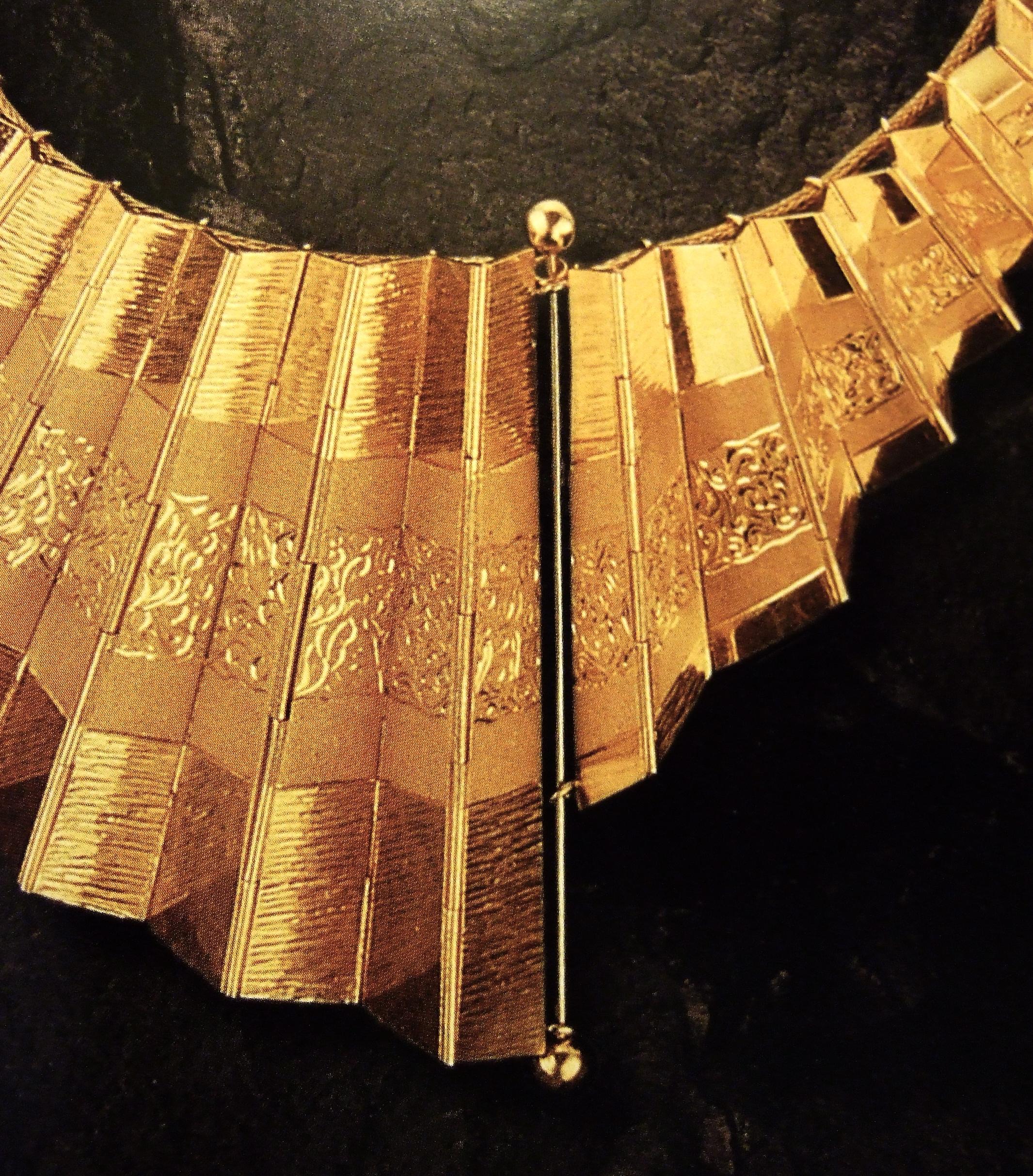 Reena Ahluwalia-Concertina Gold Necklace1.JPG