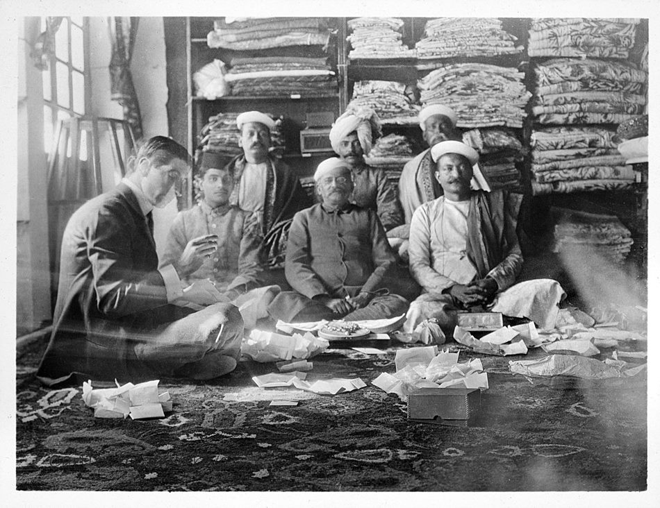 Jacques Cartier with Indian gemstone merchants, 1911, Cartier Archives. Since his first trip to India, in 1911, Jacques Cartier (1884-1942) had become familiar with the extravagant tastes of the maharajas. Fabulously rich and passionate about precious stones, the Indian princes stopped at nothing to satisfy their perpetual appetite for jewels. Image: Cartier Archives