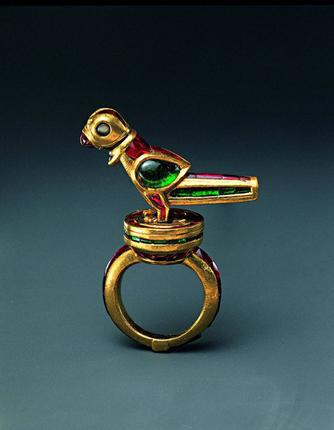 Mughal parrot finger ring (c.1600–1625) with a three-dimensional bird that can rotate and bob (possibly providing hours of entertainment for its owner) is set with rubies, emeralds, diamonds and a single sapphire. Photo: The Al-Sabah collection.