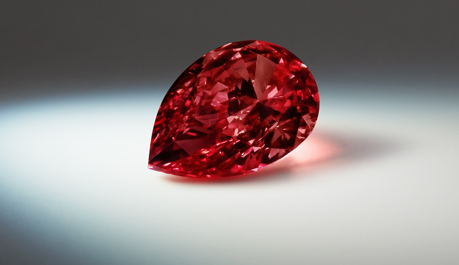 The Argyle Prima, a 1.20ct Pear Fancy Red diamond. Argyle Diamond Tender 2015. Image: Rio Tinto Diamonds.