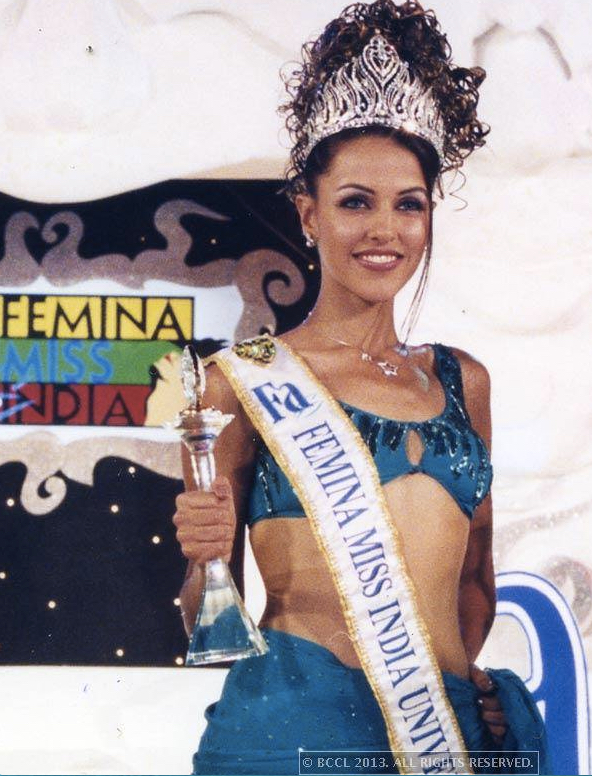 Neha Dhupia - Miss India Universe 2002 wearing Miss India Tiara designed by Reena Ahluwalia.