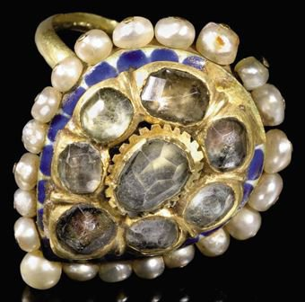 A Qajar Period pearl and enamel ring, 19th century. Source: Unknown