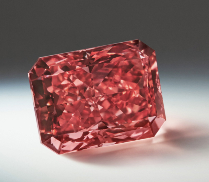 The Argyle Everglow - is a Fancy Red VS2, 2.11 carat radiant-cut diamond from the 2017 Argyle Pink Diamonds Tender. Image: Rio Tinto Diamonds.