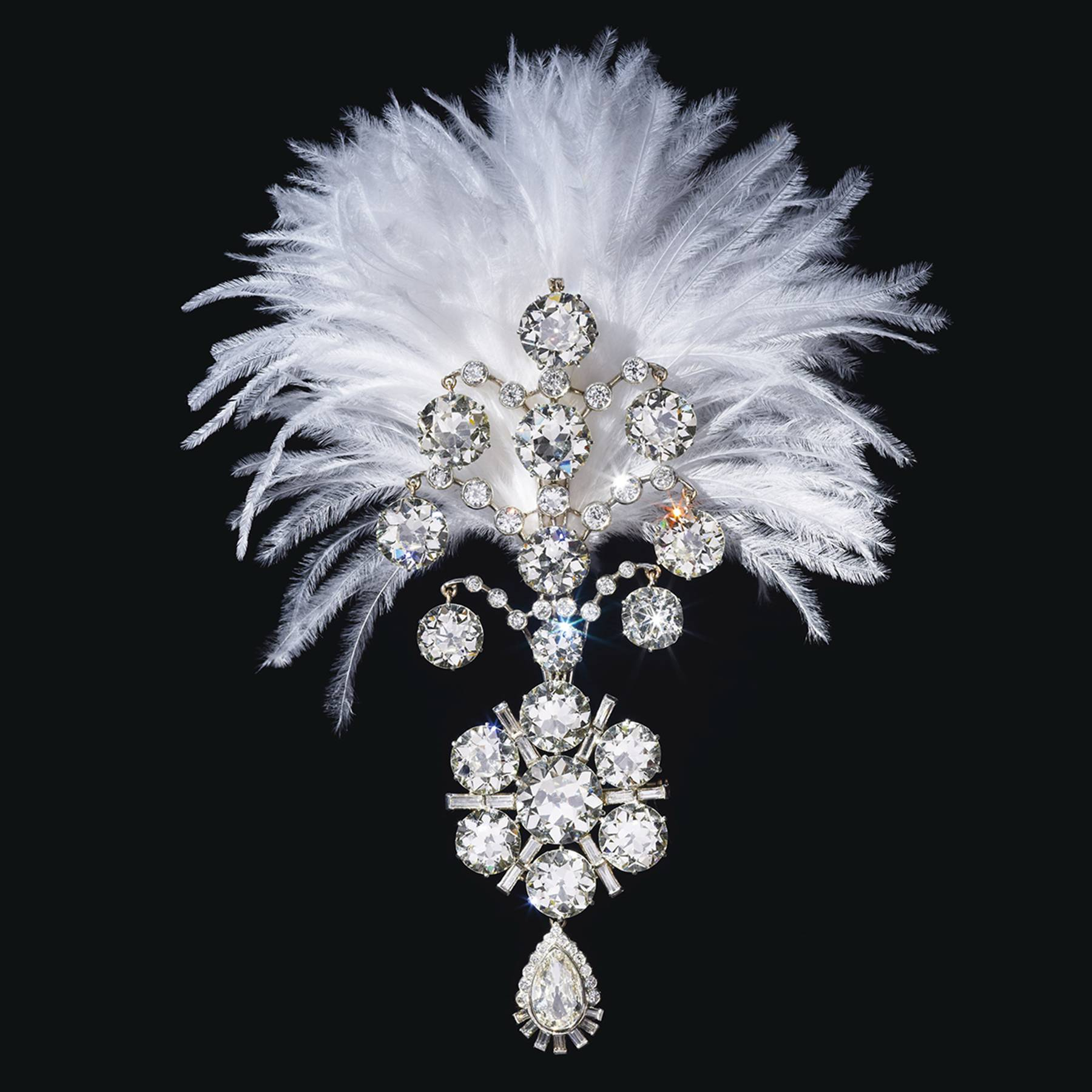 Belle Époque diamond jigha, 1907 and remodelled circa 1935. The turban ornament set with old baguette and pear-shaped diamonds, white gold, fitted with plume holder on the reverse, lower portion detachable and may be worn as a brooch. Image: Christie's