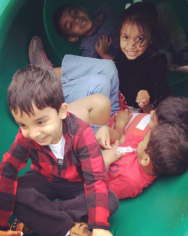 #happy together 🌈🍎#montessori 3-6 #nowenrolling #summer #fall #kindergarten #education #preschool #artclass #lovereading #lovelife