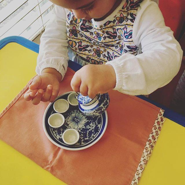 Practical Life 🌷pouring #tea #montessori AMI  age 3-6 #preschool #kindergarten #happy #child #creative #earlychildhoodeducation #school #plano #respect #artcamp