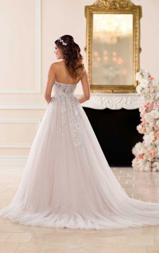 Try it on at Ellie's Bridal Boutique (Alexandria, VA) – Stella York 6692