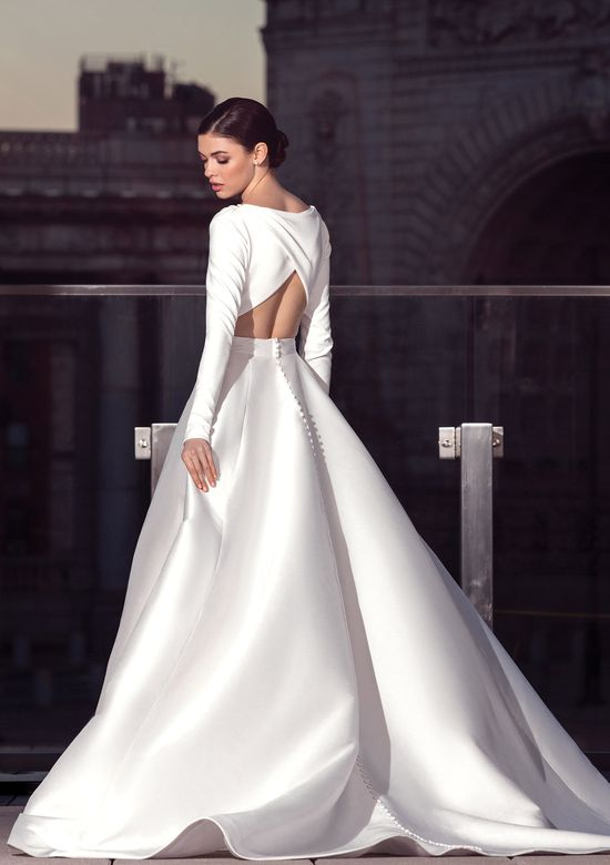 Try it on at Ellie's Bridal Boutique (Alexandria, VA) – Justin Alexander Signature 99040