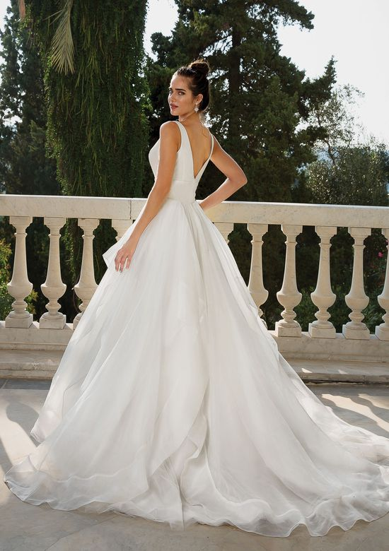 Try it on at Ellie's Bridal Boutique (Alexandria, VA) – Justin Alexander 88093