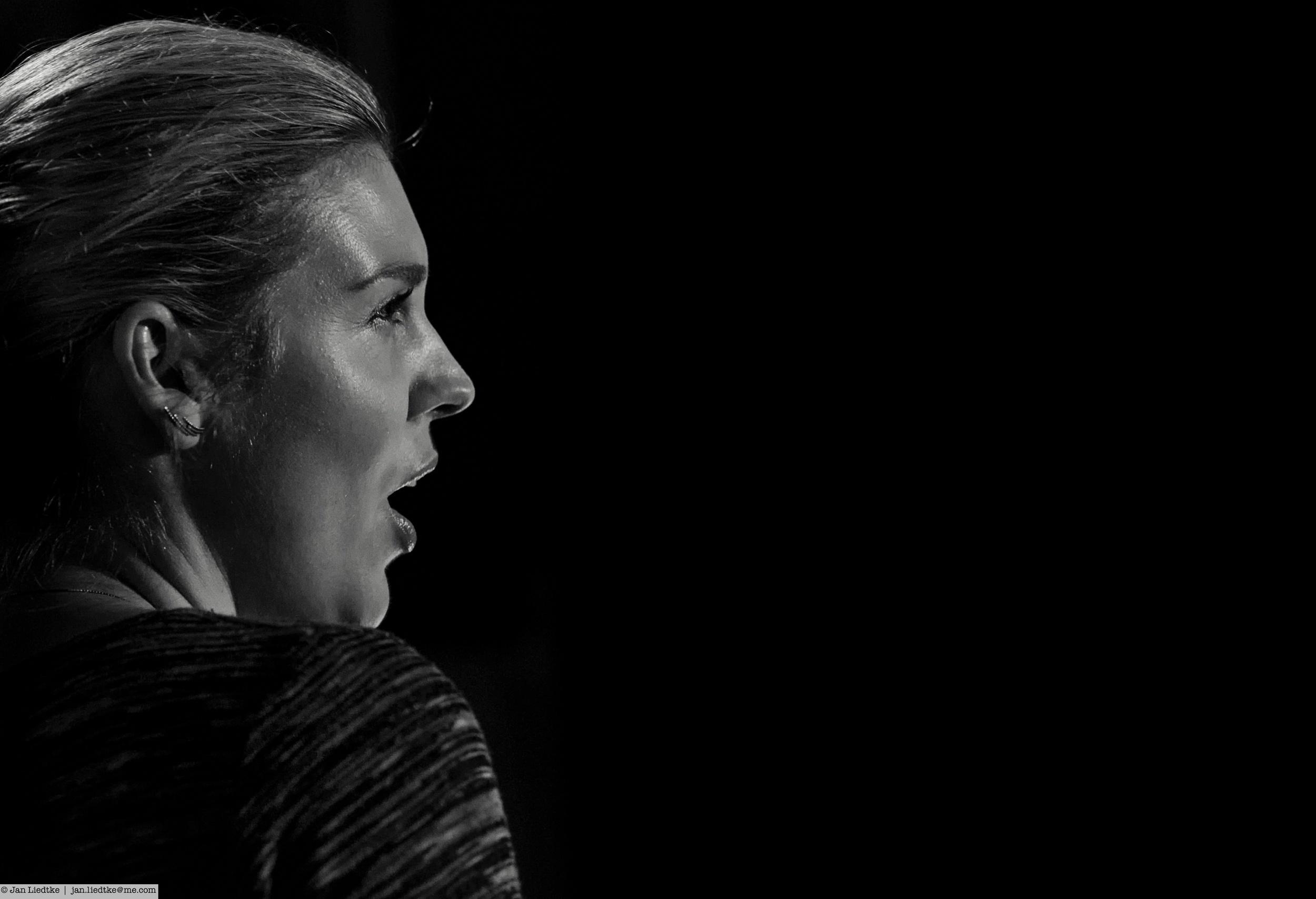 Soprano  Marianne Folkestad Jahren singing into the void.