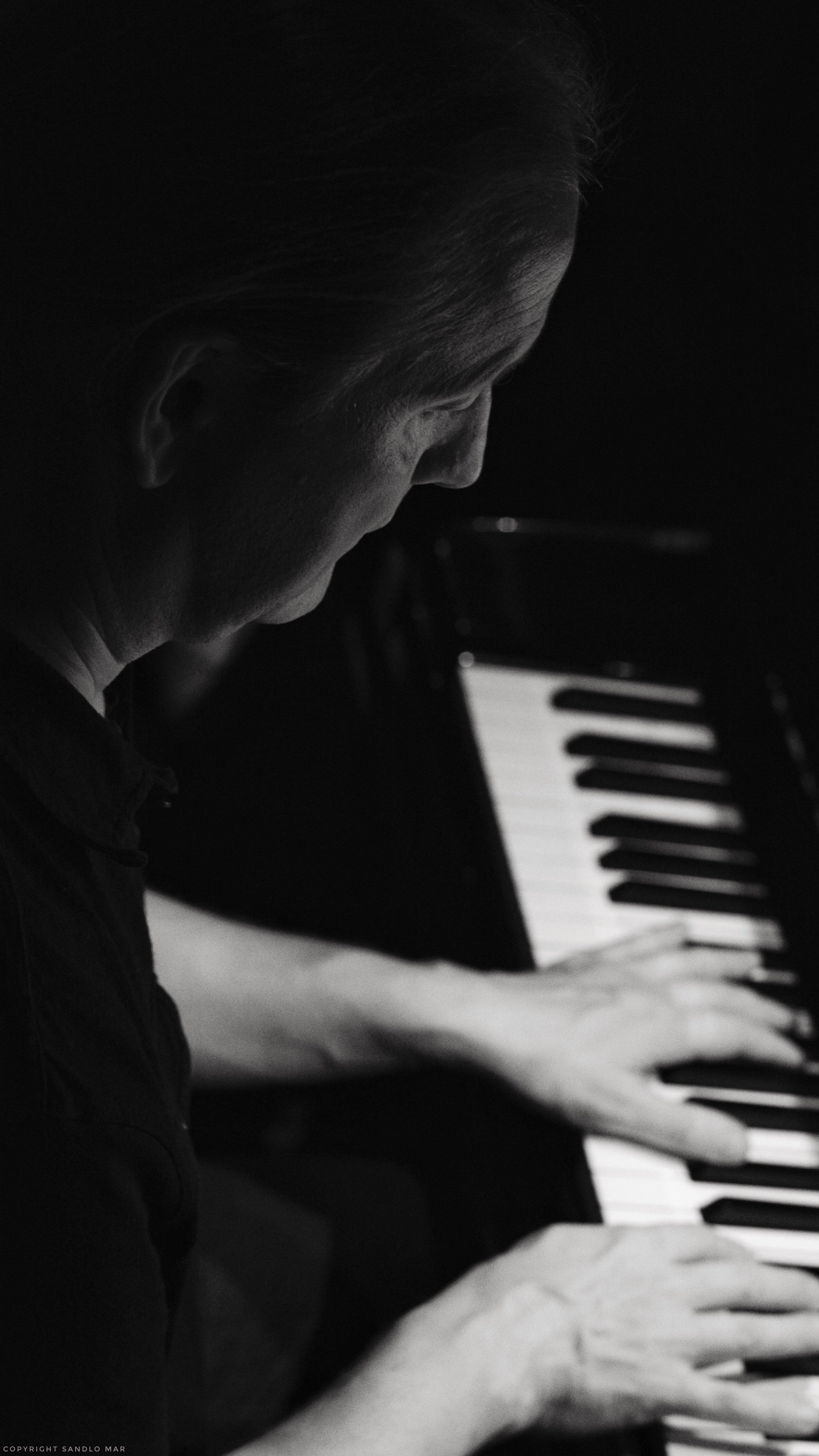 Markus Kitts on the piano.