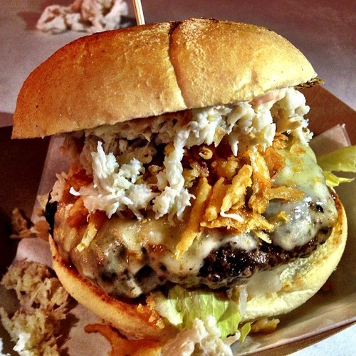 Lean ground beef patty seasoned with Swedish spices, topped with fresh crab meat, white cheddar cheese and Crunchy onions on a toasted bun