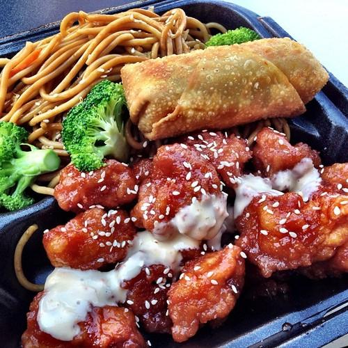 sesame-chicken-lo-mein-and-eggroll-asian-kitchen-on-wheels.jpg
