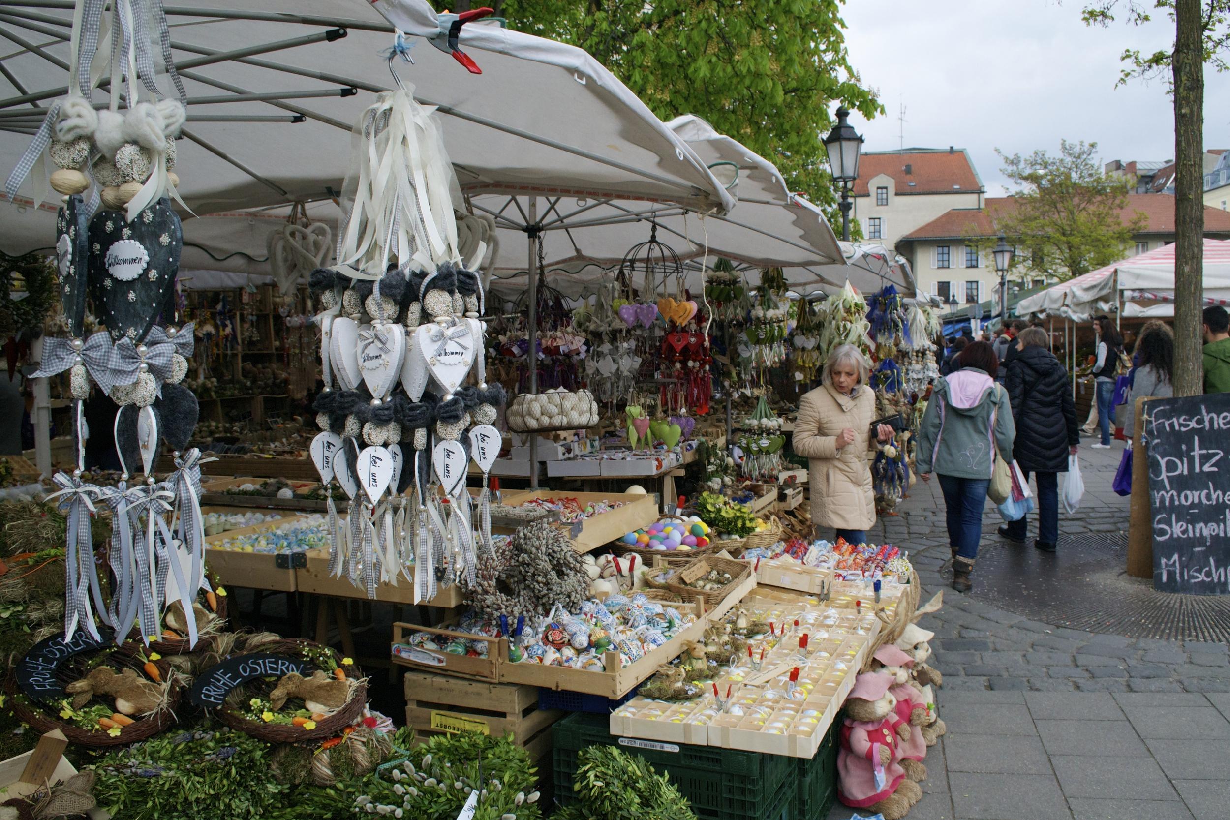 Easter displays at the Viktualienmakrt.