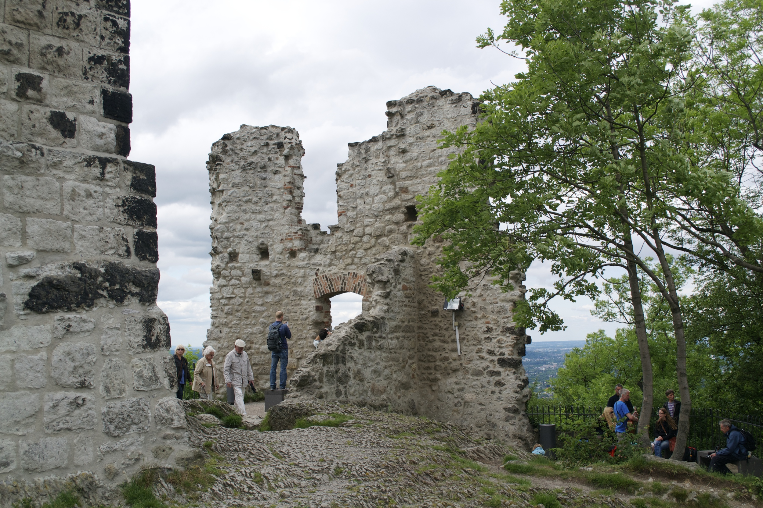 The ruins of Burg Drachenfels.