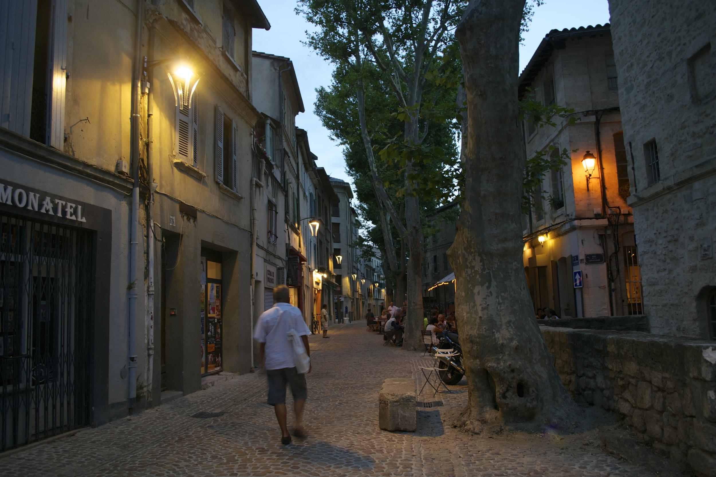 Strolling downRue des Teinturiers at night.